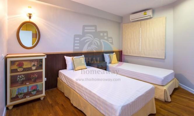 2-BEDROOM APARTMENT :BCB - ThaiHomeAway